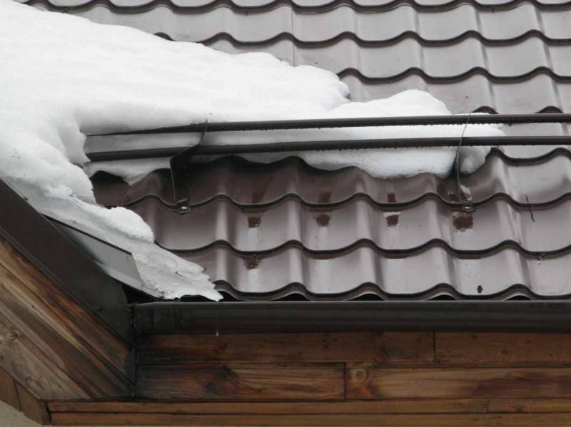 Снегозадержатель металлический трубчатый