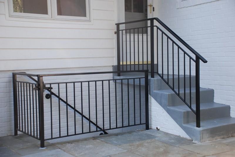 Ограждение металлическое лестничное