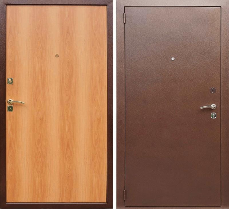 Дверь металлическая квартирная.